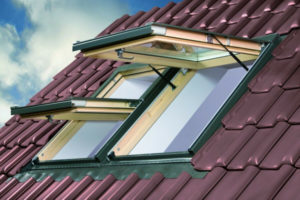 Подготавливаем крышу для установки мансардного окна